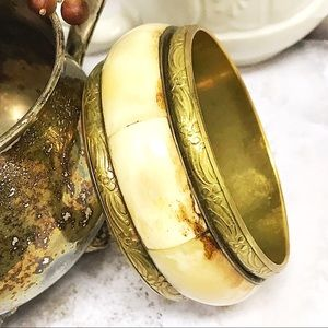 BOGO💫Mother of Pearl Brass Bangle